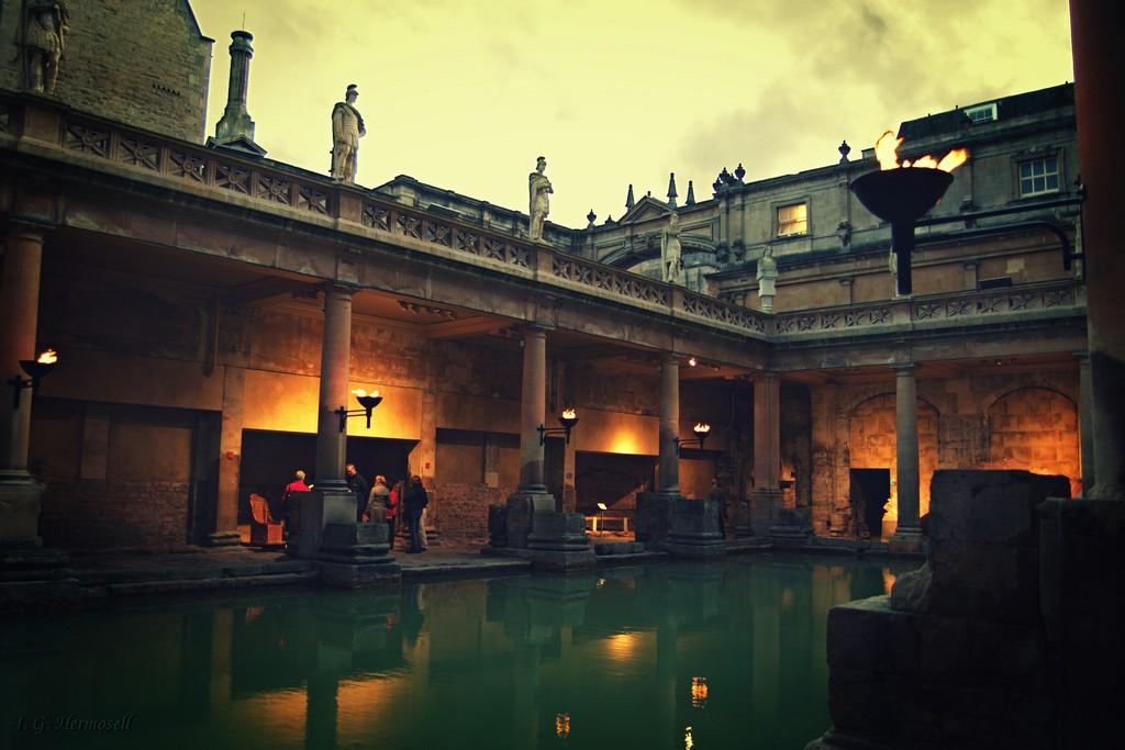 The Roman Baths pic by Ignacio Garcia